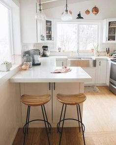 How To Create That Scandinavian Kitchen Style Home Decor Kitchen, New Kitchen, Home Kitchens, Kitchen Ideas, Small Kitchen Bar, Kitchen Planning, Small Kitchens, Ikea U Shaped Kitchen, U Shaped Kitchen With Breakfast Bar