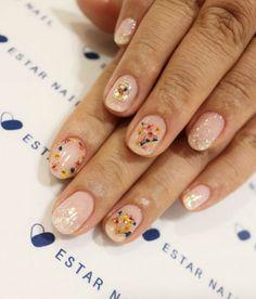 Dried flower nail art by Estar Nail