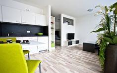 Kombination aus Wohnen und Essen Divider, Room, Furniture, Home Decor, New Construction, Real Estates, Homes, Eten, Bedroom