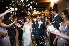 Inesquecível Casamento | Casamento |  Wedding | Chuva de pétalas de rosa | Bride | Groom