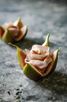 The perfect appetiser to serve at your next event or accompanying a cheese board, these fig and prosciutto roses look beautiful and only have 3 ingredients.