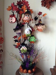 Halloween Trees, Halloween Season, Halloween 2018, Halloween Crafts, Happy Halloween, Halloween Decorations, Halloween Costumes, Moldes Halloween, Adornos Halloween