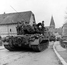 M26 Pershing, Patton Tank, Us Armor, Ww2 Photos, Model Tanks, Korean War, Panzer, Armored Vehicles, Military History