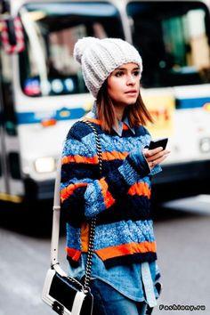 Образы с вязаными свитерами