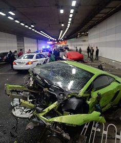 """FAST & FURIOUS"" IN CHINA Lamborghini und Ferrari bei Straßenrennen geschrottet"