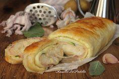 Rustico di patate e zucchine, con pasta sfoglia, zucchine crude e prosciutto. Ideale per tutta la famiglia, è molto buono sia caldo che freddo.
