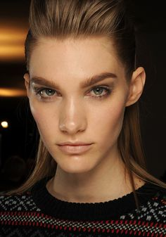 Charlotte Tilbury mastered every angle of the models faces at the Etro show this Milan #fashion week. Using MAC Pro Sculpting creams for low-lights and Cream Colour Base to illuminate, this makeup pro mastered dewey, defined skin. #beauty