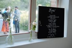 Le repas végétarien de mon mariage // Photo : Nicolas Grout Invitation, D Day, Chalkboard Quotes, Art Quotes, Mademoiselle, Simple Weddings, Vegetarian Meal, Paper Mill, Lace