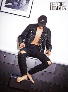Park Sung Jin - L'Officiel Hommes September Park Sung Jin, Classic Leather Jacket, Sharp Dressed Man, Esquire, Gorgeous Men, Male Models, Superman, Men Dress, Leather Pants