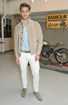 Johannes Huebl Photos Pictures and Photos - Getty Images Milan Men's Fashion Week, Best Shopping Sites, Top Luxury Brands, Men Street, Luxury Branding, Gentleman, Nice Dresses, Casual Outfits, Street Style