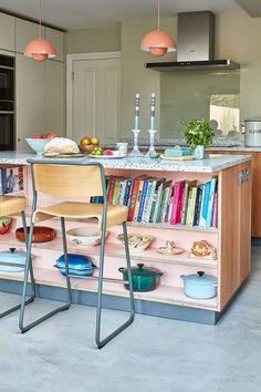 Modern Kitchen Furniture, Kitchen Interior, Dream Apartment, Apartment Kitchen, Kitchen Peninsula, Kitchen Island, Kitchen Colors, Kitchen Stuff, Open Shelving