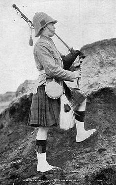 Old photograph of a First World War, Scottish, Highland Piper. [Elsewhere listed as c. Source and unit unknown. Likely Africa or Middle East.