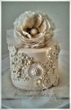 Gorgeous Wedding Cupcake Beautiful Cupcakes, Gorgeous Cakes, Pretty Cakes, Amazing Cakes, Elegant Cupcakes, Fun Cupcakes, Wedding Cupcakes, Cupcake Cakes, Cup Cakes