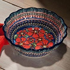 Love, love, love polish pottery and I can't wait to go on a polish pottery shopping trip!