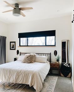 Its Monday morning and the sun is shining bright. Im going to get up and get things done! Do you feel the urge to be productive every Monday like I do?!  We love our ceiling fan from @hunterfanco its The Cranbrook in dove gray. Link in my stories. . . . . . #masterbedroom #masterbedroomdecor #winterwhites #bedroomstyles #hyggebedroom #diydesigntherapy #designsponge #cornerofmyhome #showyourhomestyle #mydesignedhome #myneutralnook #mybohomestyle #bhghome #copycatchic #smmakelifebeautiful…