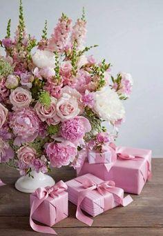New Flowers Gift Bouquet Floral Arrangements Mothers 39 Ideas Amazing Flowers, Beautiful Roses, Pink Flowers, Beautiful Flowers, Pink Lace, Bouquet Flowers, Shabby Flowers, Beautiful Friend, Pink Peonies