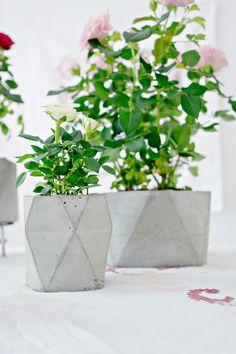 DIY | Geometric Concrete Flower Pot Planter