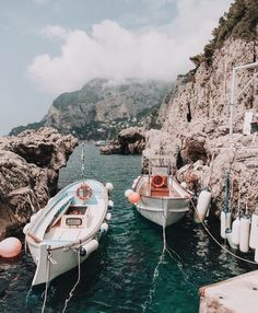 Beautiful view of Cinque Terre, Italy on the Amalfi Coast. Vacation wanderlust destinations idea in Europe. Oh The Places You'll Go, Places To Travel, Travel Destinations, Winter Destinations, Destination Voyage, Travel Aesthetic, Travel Goals, Travel Tips, Adventure Is Out There