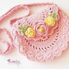 Yaaaa prenses olmamis mi sizce deee bu hanim hanimcik hümiko cantasi 40 tl dir ☺ bu gorseldeki cantanin sahibesi belli isteyen bayramdan once yetismesi icin acele siparis verebilir bunun yanina bir de bandana geliyor ki bekleyin #orgu #örgü #tigisi #handmade #elyapimi #tasarim #crochet #crochetbag #crocheting #crochetersofinstagram #knit #knitbag #knittingbag #knittersofinstagram #knitting #canta #örgüçanta #pink #pembe #sweet #fashionkids #hook #yarn #crocheter #knitter #ba...