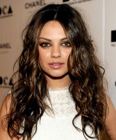 Latest pictures of Mila Kunis hair. Check out Mila Kunis`s great hairstyles and her fashion style here. Also hundreds of articles to read through and enjoy Celebrity Hairstyles, Messy Hairstyles, Prom Hairstyles, Layered Hairstyles, Hairstyle Ideas, Daily Hairstyles, Wave Hairstyle, Bangs Hairstyle, Stylish Hairstyles