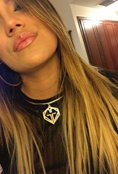 Carol g Latin Music, Me As A Girlfriend, Social Media Marketing, Girlfriends, Crushes, Girly, Celebs, Tobias, Hair