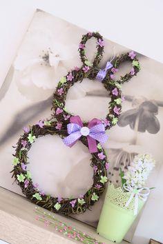 "Jarní dekorace ""Ušáček"" na objednání / Zboží prodejce Coolnička   Fler.cz Easter Crafts, Floral Wreath, Wreaths, Flowers, Home Decor, Floral Crown, Decoration Home, Door Wreaths, Room Decor"