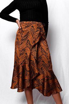Φούστα μίντι wrap σατινέ μαύρο κεραμιδί SKI024 Waist Skirt, Midi Skirt, High Waisted Skirt, Vintage Skirt, Black And Brown, Skirts, Fashion, Moda, Skirt
