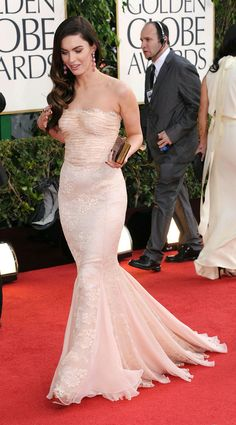 16. Beautiful Megan Fox appeared in a delightfully embroidered rosé lace gown by Dolce & Gabanna at the 2012 Golden Globe Awards