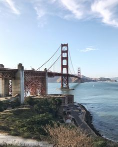 How to Spend 48 Hours in San Francisco - Cupcakes & Cashmere Including Jess' favorite pastries and coffee shops. Usa Roadtrip, Travel Usa, Places To Travel, Travel Destinations, Places To Visit, Travel Diys, Travel Guide, Golden Gate Park, Golden Gate Bridge