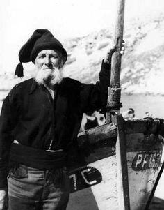 Nazaré, Portugal Sea Captain, Big Country, Bearded Men, Vintage Men, Gentleman, Boat, History, Terra, Portuguese