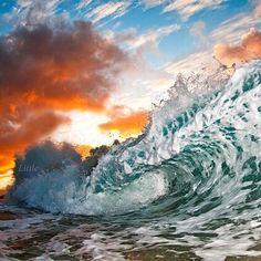 。ハワイの波