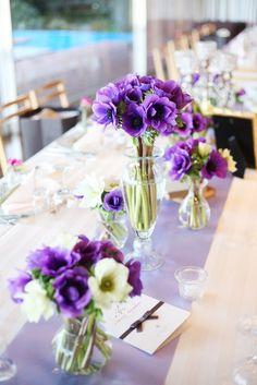 The South Harbor Resort(ザ サウスハーバーリゾート) 結婚式場写真「イメージは『大人婚』 シンボリックフラワーのアネモネは ふんだんに使っています。 カラーやお花をそろえることでまとまりのあるコーディネートになります。」 【みんなのウェディング】