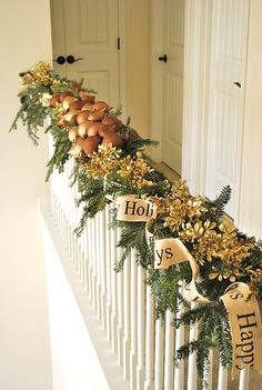 christmas staircase.  This blog has the most amazing home decor pictures and ideas.