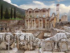 Library of Celsus. Ancient Ephesus, Turkey. https://victortravelblog.com/2014/12/17/sailors-superstitions-and-ancient-ephesus-turkey/