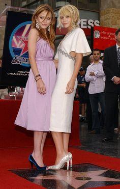 Ashley et Mary Kate Olsen à l'inauguration de leur étoile sur le Walk of Fame en 2004