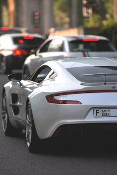 Images of amazing looking cars. Photos of cars. Pics of autos. Car porn photographs that will blow you away. Maserati, Bugatti, Ferrari, Porsche, Audi, Bmw, Aston Martin Dbs V12, Aston Martin Vantage, Rolls Royce