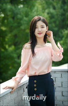 Korea Fashion, Asian Fashion, Girl Fashion, Kim Yoo Jung Photoshoot, Korean Women, Korean Girl, Korean Beauty, Asian Beauty, Asian Woman