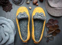 Feutrée chaussons naturelles crêpe en par BETWEENfeltdesign