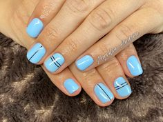 Babyblaue Nägel mit schwarzen streifen Nails, Beauty, Baby Blue Nails, Baby Blue, Nail Studio, Stripes, Nice Asses, Finger Nails, Ongles