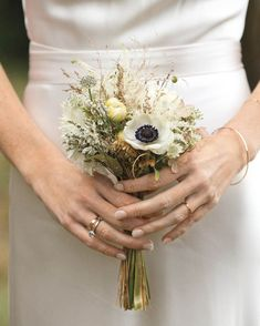 Are you after some wedding bouquet inspiration, but don't want a huge arrangement? Here are 20 small bouquet ideas for the low-key bride. small wedding 20 Tiny Wedding Bouquet Ideas For The Low-Fuss Bride Small Wedding Bouquets, Beach Wedding Flowers, Small Bouquet, Wedding Flower Arrangements, Bridal Flowers, Small Weddings, Bridal Bouquet Fall, Flower Bouquet Wedding, Anemone Bouquet