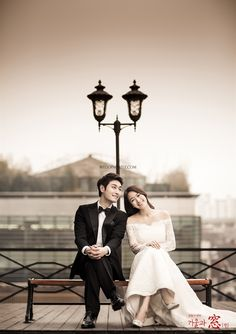 Weddingritz have 20 years of experience in Korea pre wedding Field that provide high quality customized photography package services to overseas customers with offering the lowest price pre wedding photoshoot packages. Pre Wedding Poses, Pre Wedding Photoshoot, Wedding Pics, Wedding Shoot, Wedding Dresses, Wedding Ideas, Couple Posing, Couple Shoot, Bride Groom Poses
