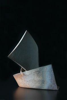 Ken MIHARA Japanese Ceramics, Japanese Pottery, Abstract Sculpture, Bronze Sculpture, Japanese Artwork, Fire Art, Contemporary Ceramics, Japanese Artists, Pottery Art