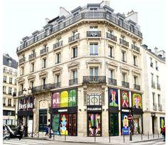 Amancio Ortega y sus muchachos inauguran una divertida flagship de Pull & Bear  en pleno centro de París con aires al Pompidou. http://streetdetails.es/pull-bear-abre-su-primera-flagship-en-pleno-centro-de-paris/