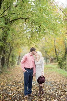 Fall engagement pictures in Knoxville, Tennessee.
