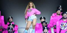 Black Panther 2 Rumor: Is Beyonce Being Approached By Marvel?  #marvel #marvelnews #marvelnewspaper #news #viraldevi pinned from June 11 2020 at 08:50AM Coachella, Queen B Beyonce, Thor, Baker Image, J Aton Couture, Marvel News, Marvel Marvel, Tina Knowles, Beyonce Style