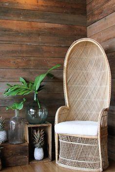 Summer Open House #BrodieHomestead #decor #vintage #peacockchair