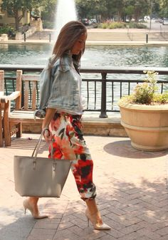 Floral | Deanie of The Style Dean wears our Haute Hippie large vanishing floral silk drawstring pants  Check out the post here: http://www.thestyledean.com/2014/08/floral.html
