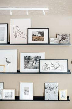 Andi's Art Ledges (& Tips for Displaying Family Photos!) - Andi's Art Ledges (& Tips for Displaying Family Photos!) – Chris Loves Julia Informations About - Photo Ledge Display, Photo Shelf, Picture Ledge, Picture Walls, Picture Frames On Shelves, Hanging Family Photos, Display Family Photos, Family Photo Frames, Family Photo Walls