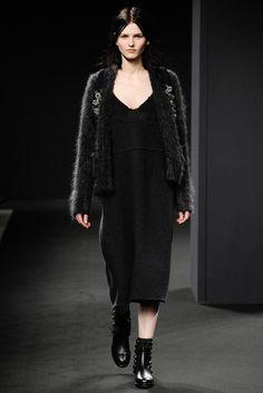 No. 21 Fall 2014 Ready-to-Wear Fashion Show - Katlin Aas