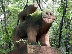 Glorious pig inside Liyuan Park in Wuhan, China #travel